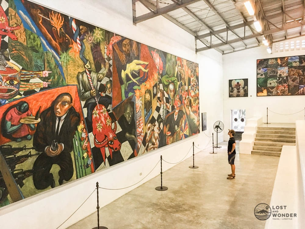 Photo of the biggest centerpiece inside Pinto Art Gallery