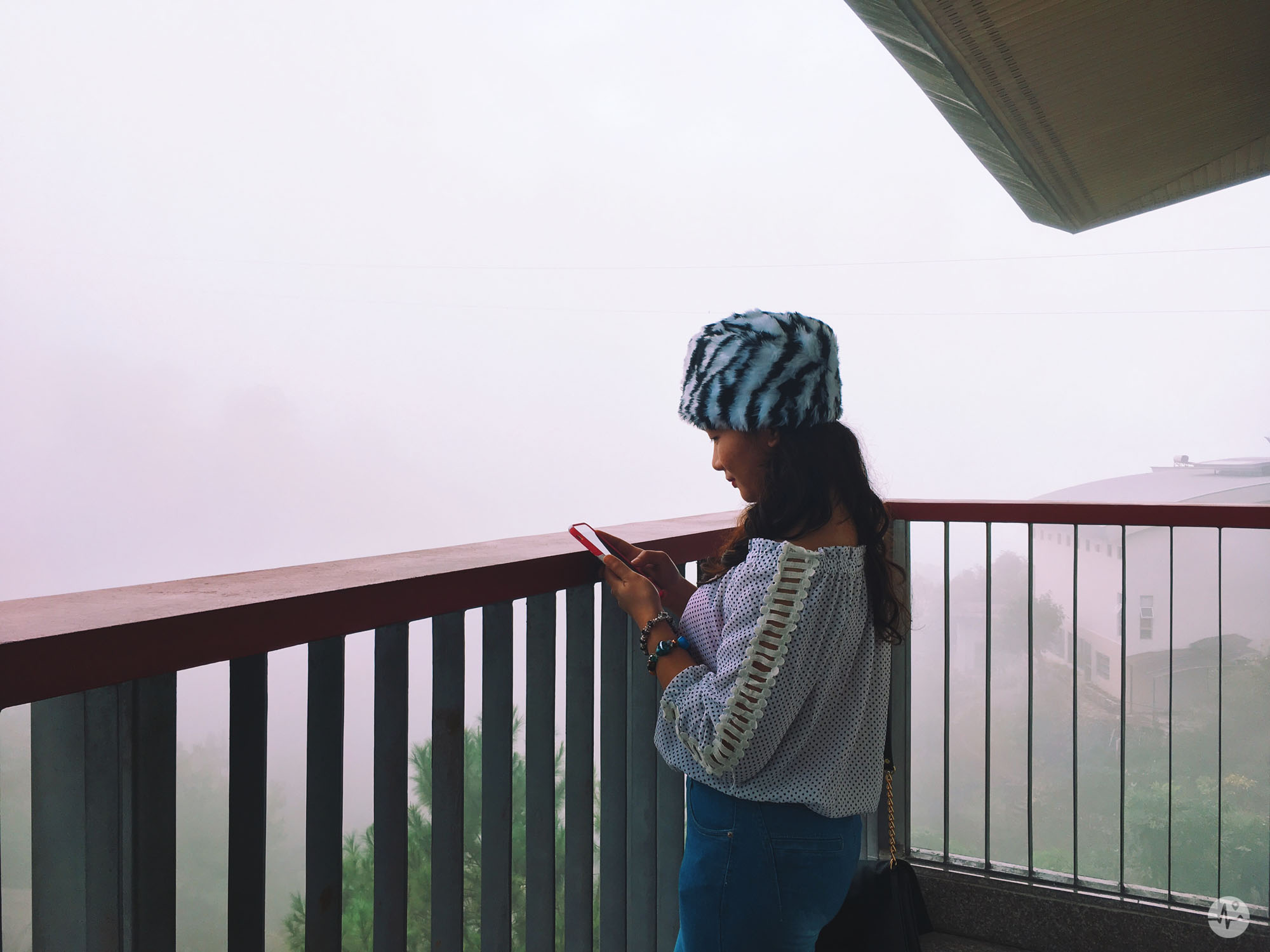 Picture of a balcony overlooking the mountains of Baguio