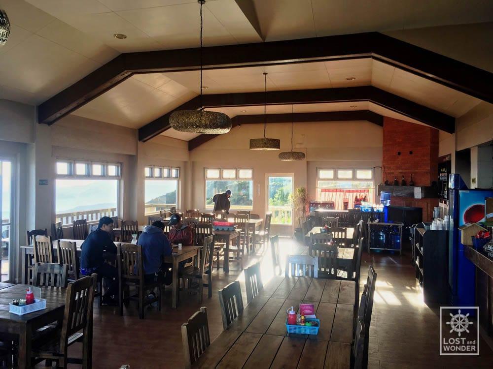 Photo inside cafe in the sky