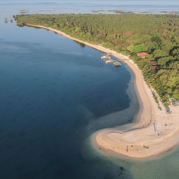 Photo of Magalawa Island in Zambales