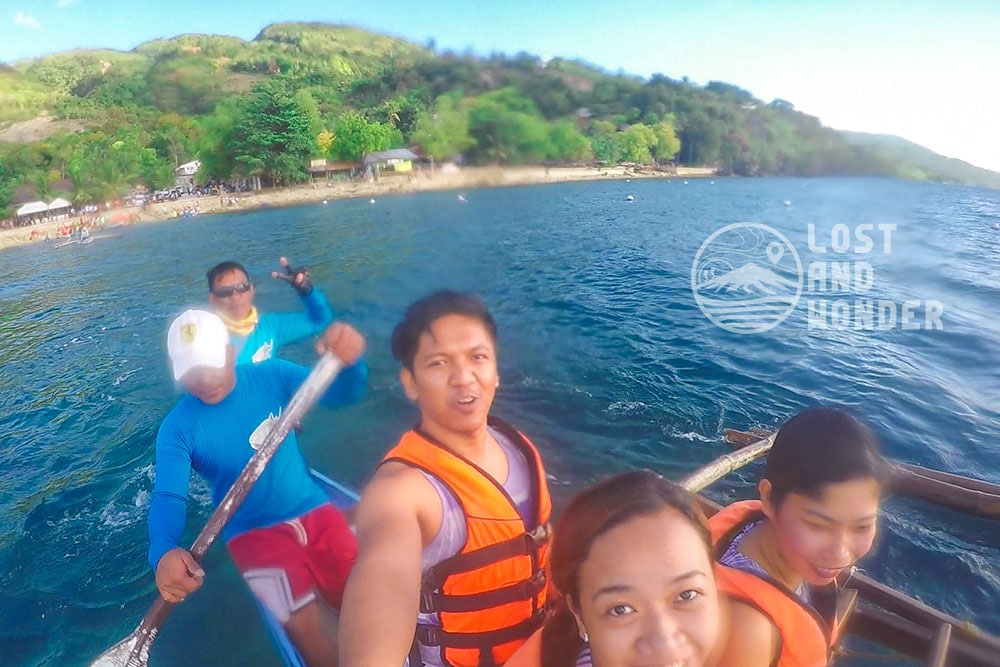 Photo of tourists in Oslob Cebu